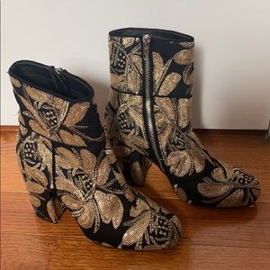 Steve Madden heeled boot with gold appliqué